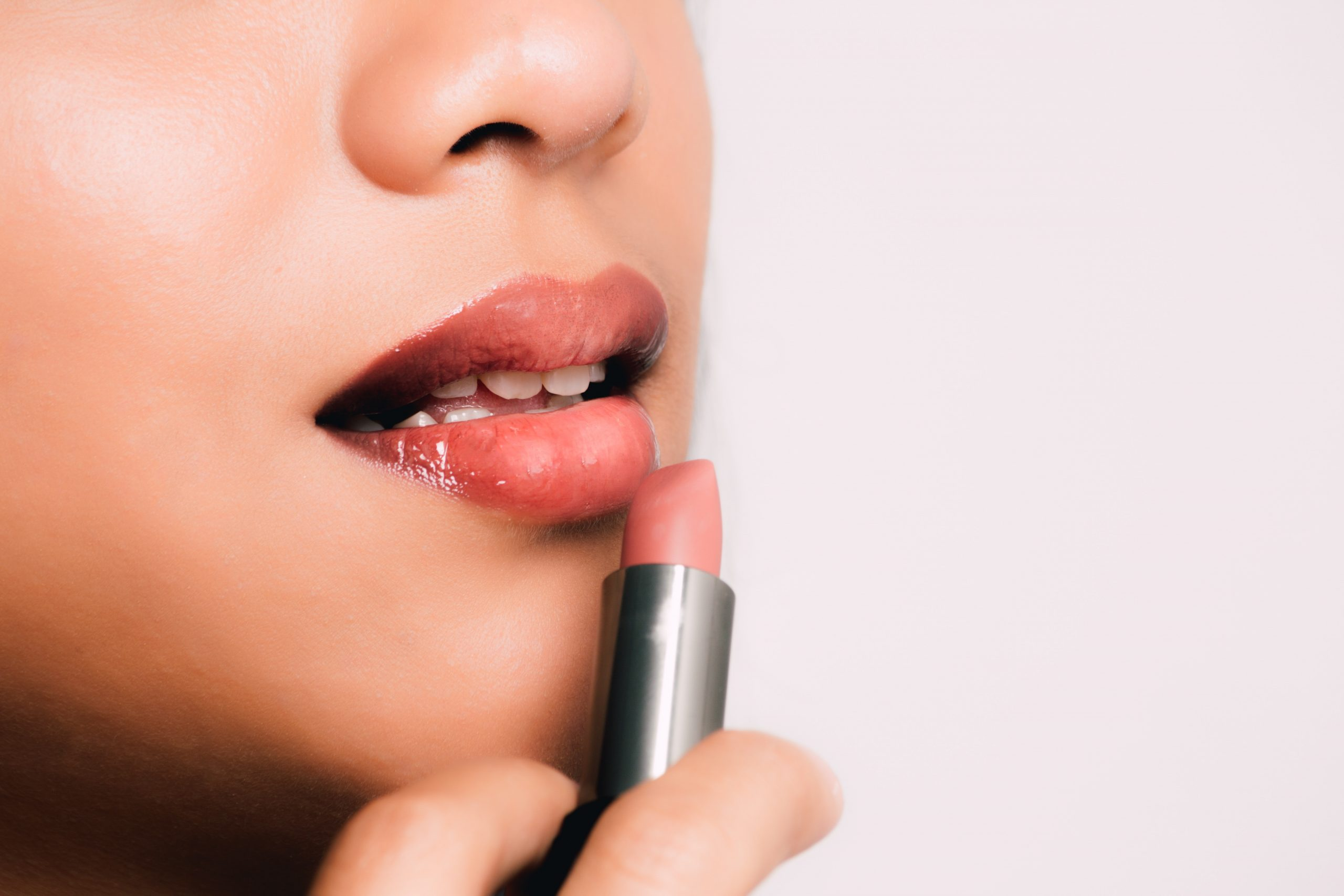 Top 10 Best Nude Lipsticks in 2020 Reviews | Buyer's Guide